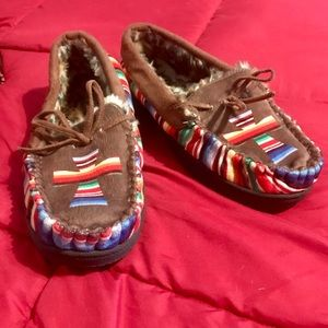 Serape printed moccasins with Cross and fur!